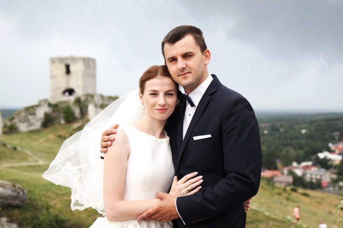 Para młoda na szczycie Zamku w Olsztynie