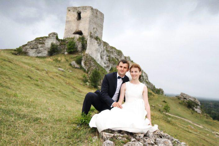 Para młoda w Olsztynie na Jurze