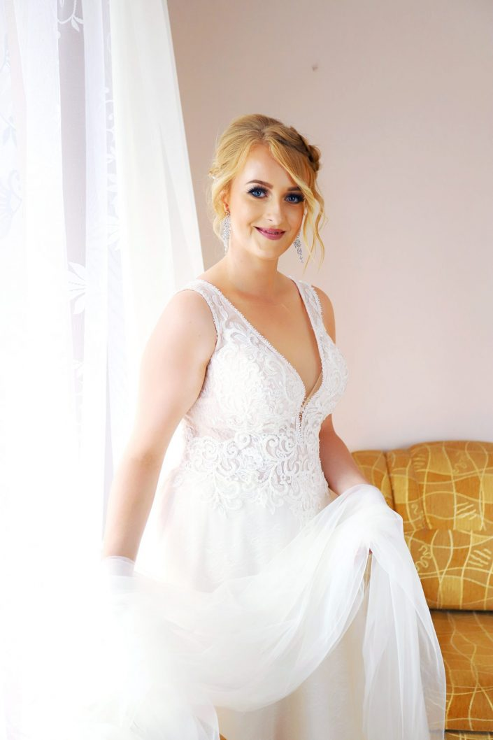 Panna młoda i welon ślubny