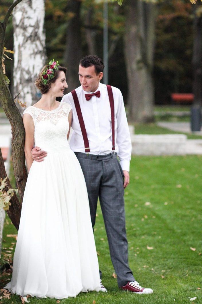 Para młoda w parku Zielona w Dąbrowie Górniczej
